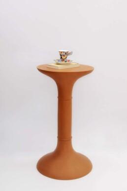 Tambu e Ton, sono una collezione di tavolini, in terracotta.